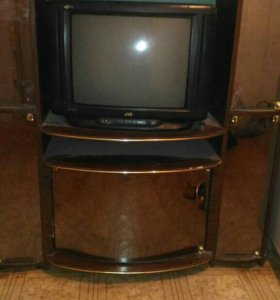Стенка и телевизор