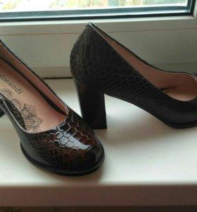 Туфли, кожа лак, новые 37 размер