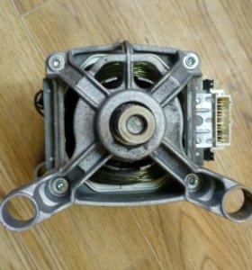 Двигатель Аристон ст.машинки