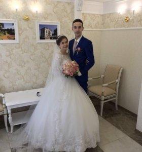 Свадебное платье ,+фата, +кринолин
