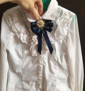 Блузка (С 3-мя брошками)