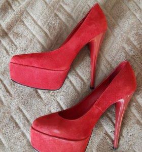 Красные бархатные туфли 36 размер