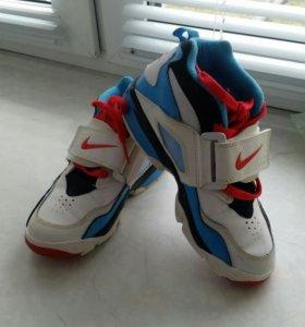 Кроссовки на мальчика,размер 29-30
