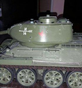 Танк т 34-85,
