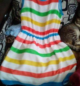 Продаю платья летние.