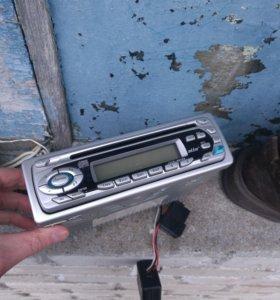 продам автомагнитолу немецкая MP3