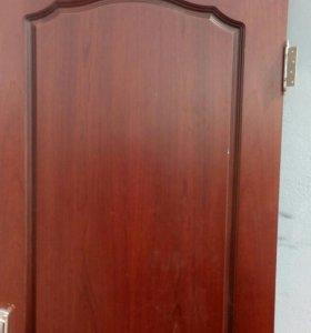 Дверь деревянная.б.у.