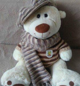 Вязанная кепка с шарфом