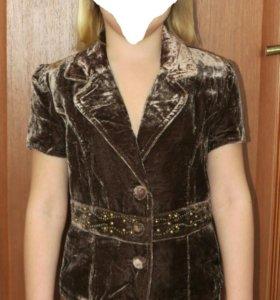 Новый пиджак р.140 велюр