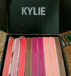 Блеск матовый Kylie c карандашом