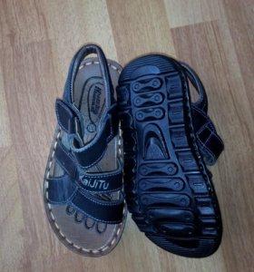 Новые Детские кожаные сандалии