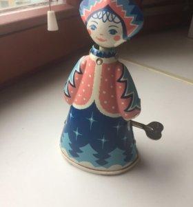 Заводная жестяная куколка Снегурочка