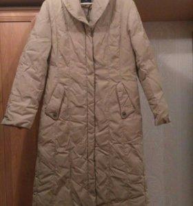 Зимнее пуховое пальто +мех.воротник