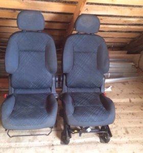 Комплект сидений для Peugeot Partner ll 1,6 МТ