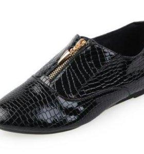 Ботинки. Туфли. Новые