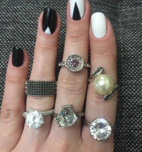 Кольца серебро и бижутерия