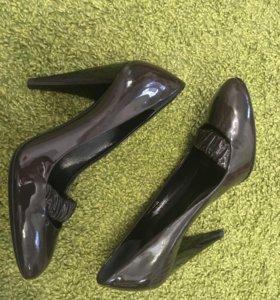 Новые оригинальные туфли burberry