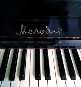 """Пианино ,,Мелодия"""""""