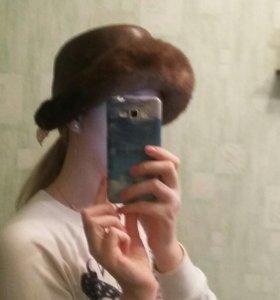 Зимняя коничневая шляпа