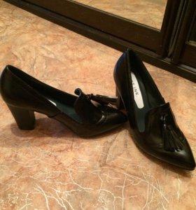 Туфли черные новые