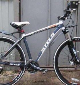 Велосипедист stels 930