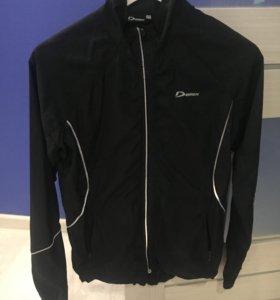 Куртка ,лёгкая спорт.