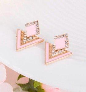 Новые нежно- розовые серьги