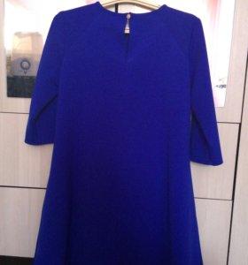 Платье и джинсы для беременных.