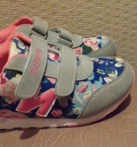 Обувь красовки на девочку