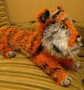 Тигр - игрушка вязаная
