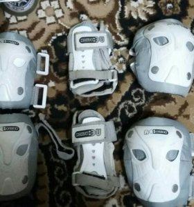Ролики, защитные аксессуары и сумка