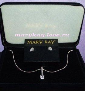 Подвеска и серьги Mary Kay кристаллами Сваровски
