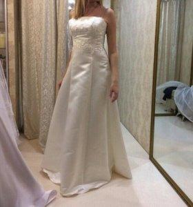 Платье свадебное р.46 - 48