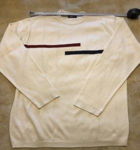 Белый свитер XL б/у, растянулись манжеты и низ