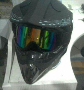 Продам шлем с очками катал в нём мало