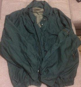 Зелёная мягкая куртка-разлетайка