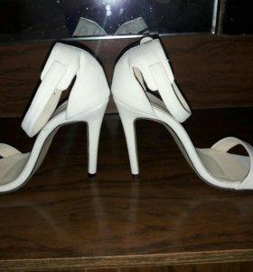 Продам туфли срочно!!
