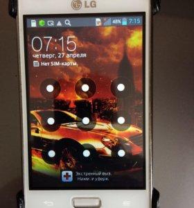 Смартфон LG-E612