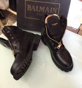 Новые стильные ботинки из натуральной кожи
