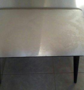 Обшивка стула или табурета