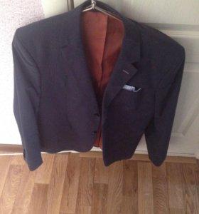 Пиджак новый (не носил)торг!