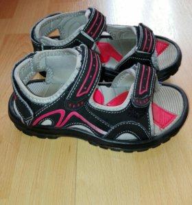 Новые сандалии 29 р