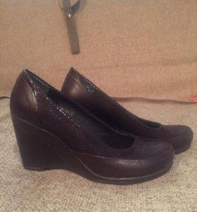 Кожаные туфельки 34 новые