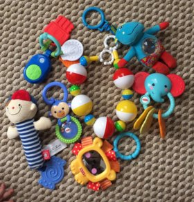 Детские игрушки (погремушки)