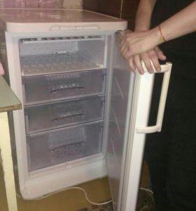 Морозильная камера бирюза