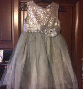 Платье 122 новое
