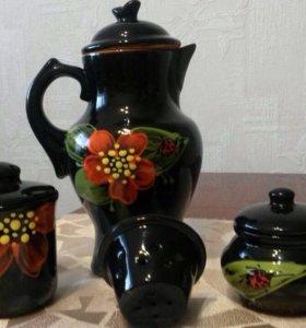 Кувшин, чашка с заварником и сахарница