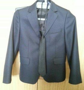 Школьный пиджак для первоклассника