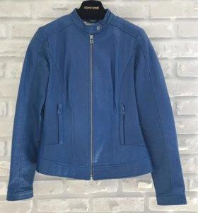 Кожаная куртка размера S