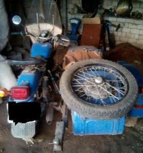 """Мотоцикл """"Урал"""" с коляской"""